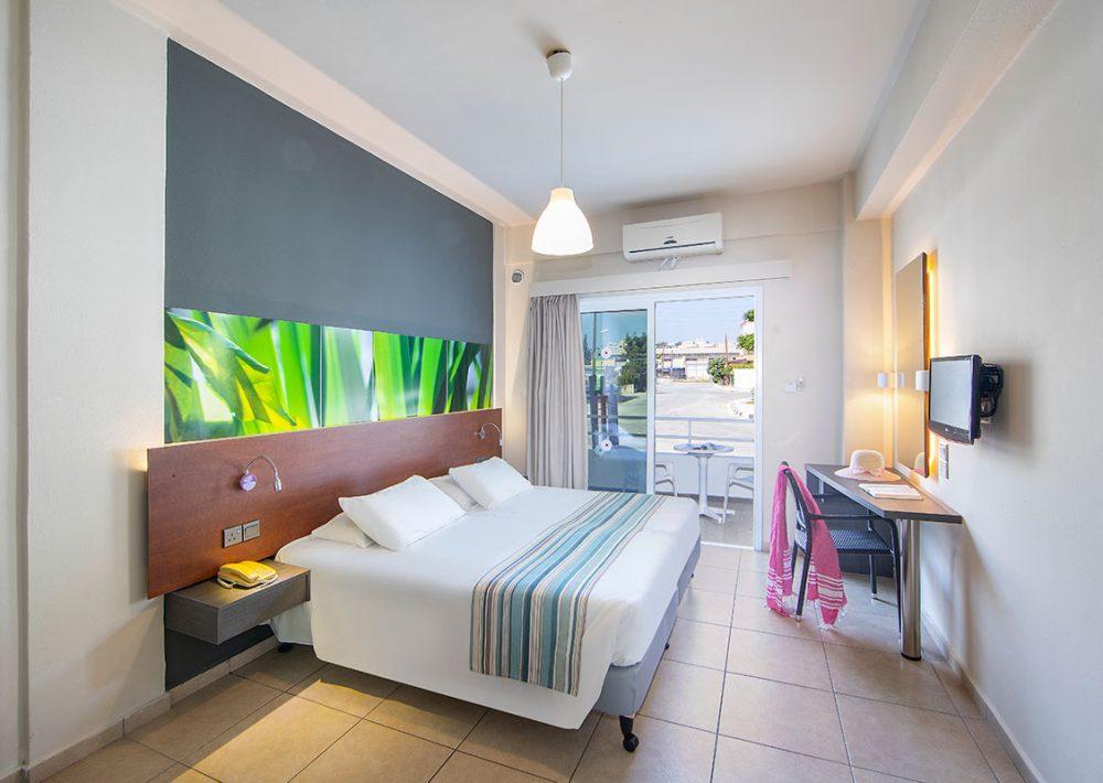 gardens hotel room